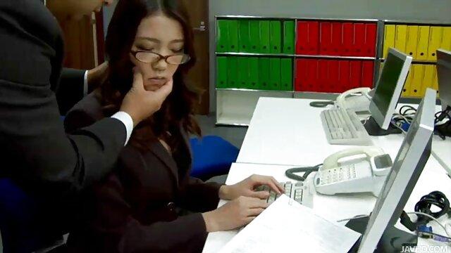 A Violet Myers serve vídeos pornôs brasileiros 2019 a traqueia da sorte com a boca e As Mamas grandes.